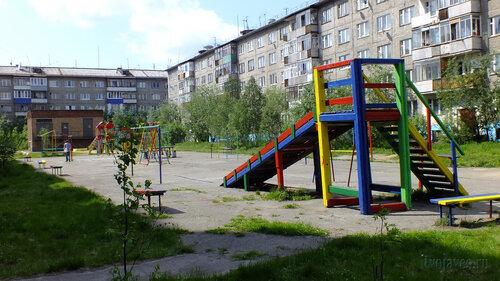 Фото города Инта №4815  Куратова 72, 68 и двор Куратова 70 24.06.2013_12:36