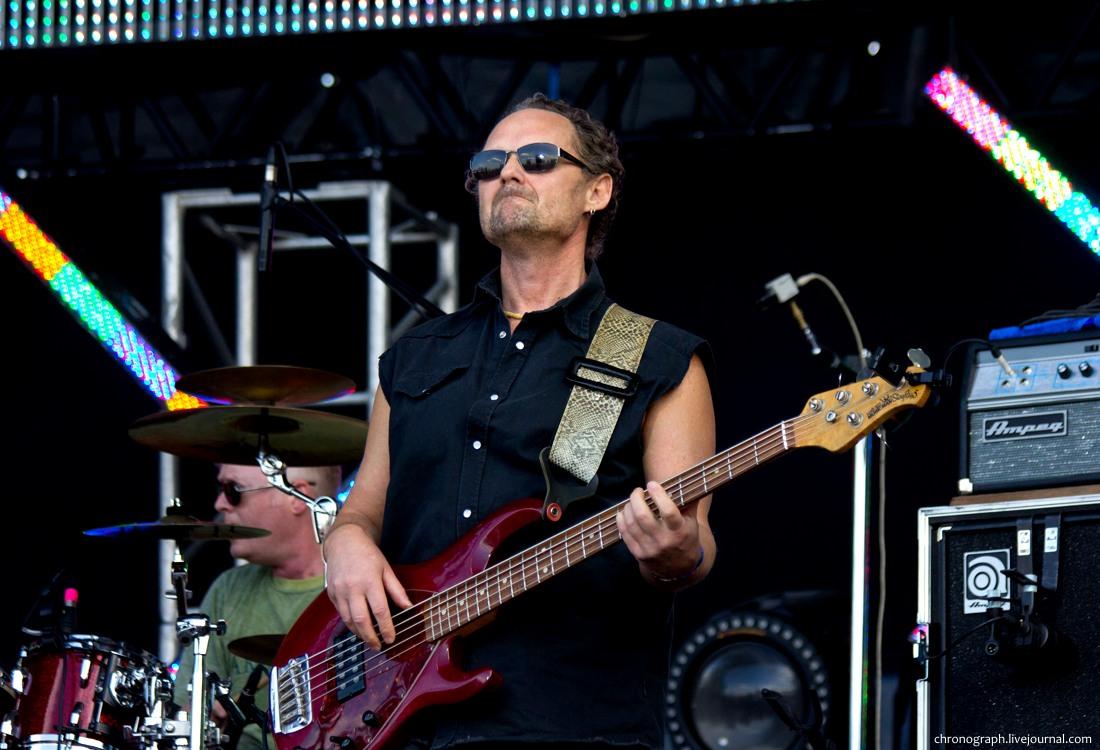 40 бас гитарист группы аквариум