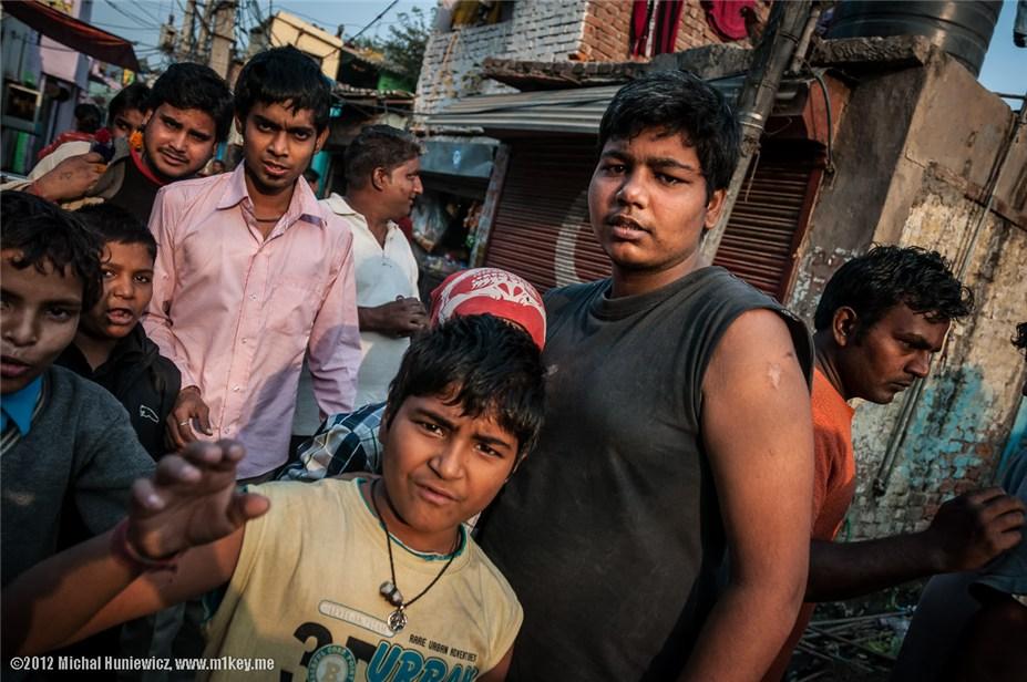 Неприятная встреча в одной из трущоб Дели - путешествие по Индии / India by Michal Huniewicz