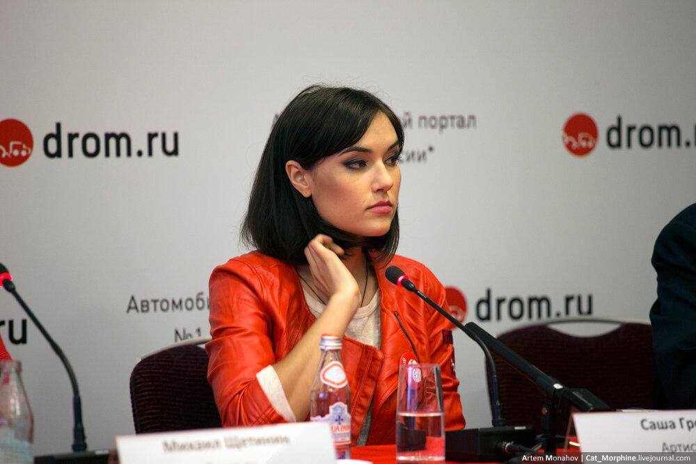 seksualniy-kostyum-rizhey-koshechki