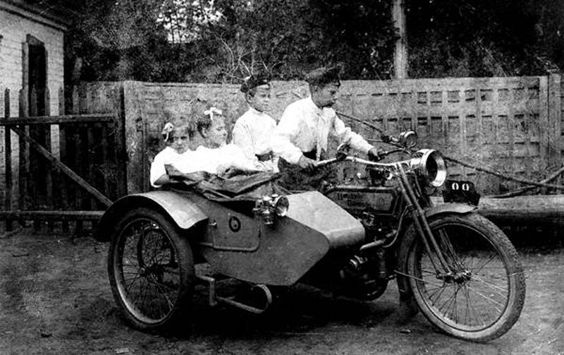 """Childrey on the """"Harley"""", 1914-17"""