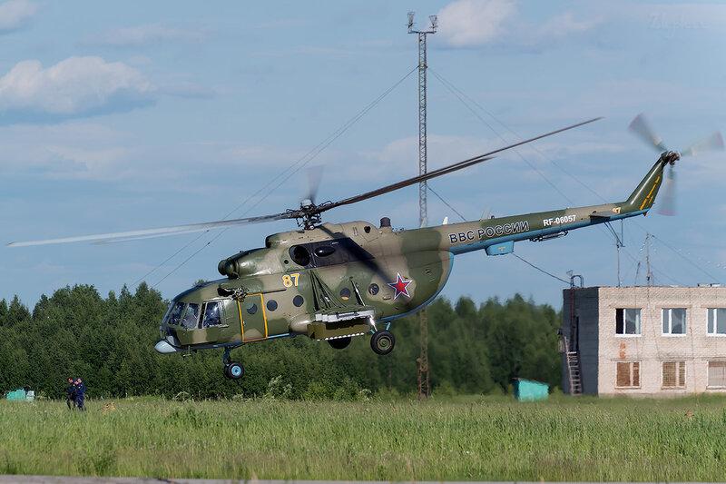 Миль Ми-8МТ (RF-06057 / 87 жёлтый) D801053