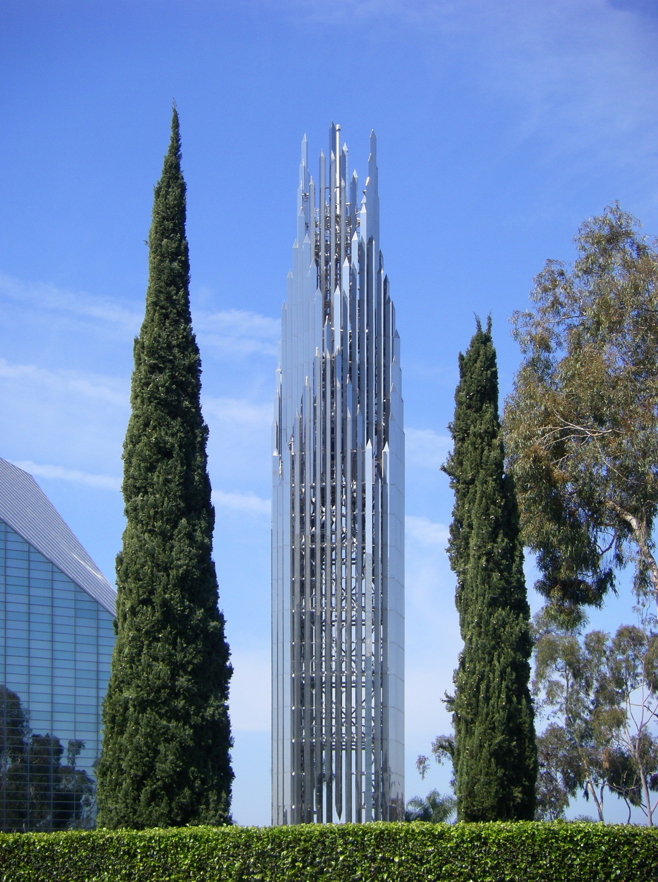 Spire of the Crystal Cathedral, Garden Grove (Anaheim/Los Angeles). (C) 2009 [http://commons.wikimedia.org/wiki/User:Wattewyl Wikimedia user