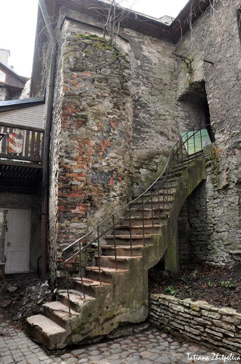 лестница к...
