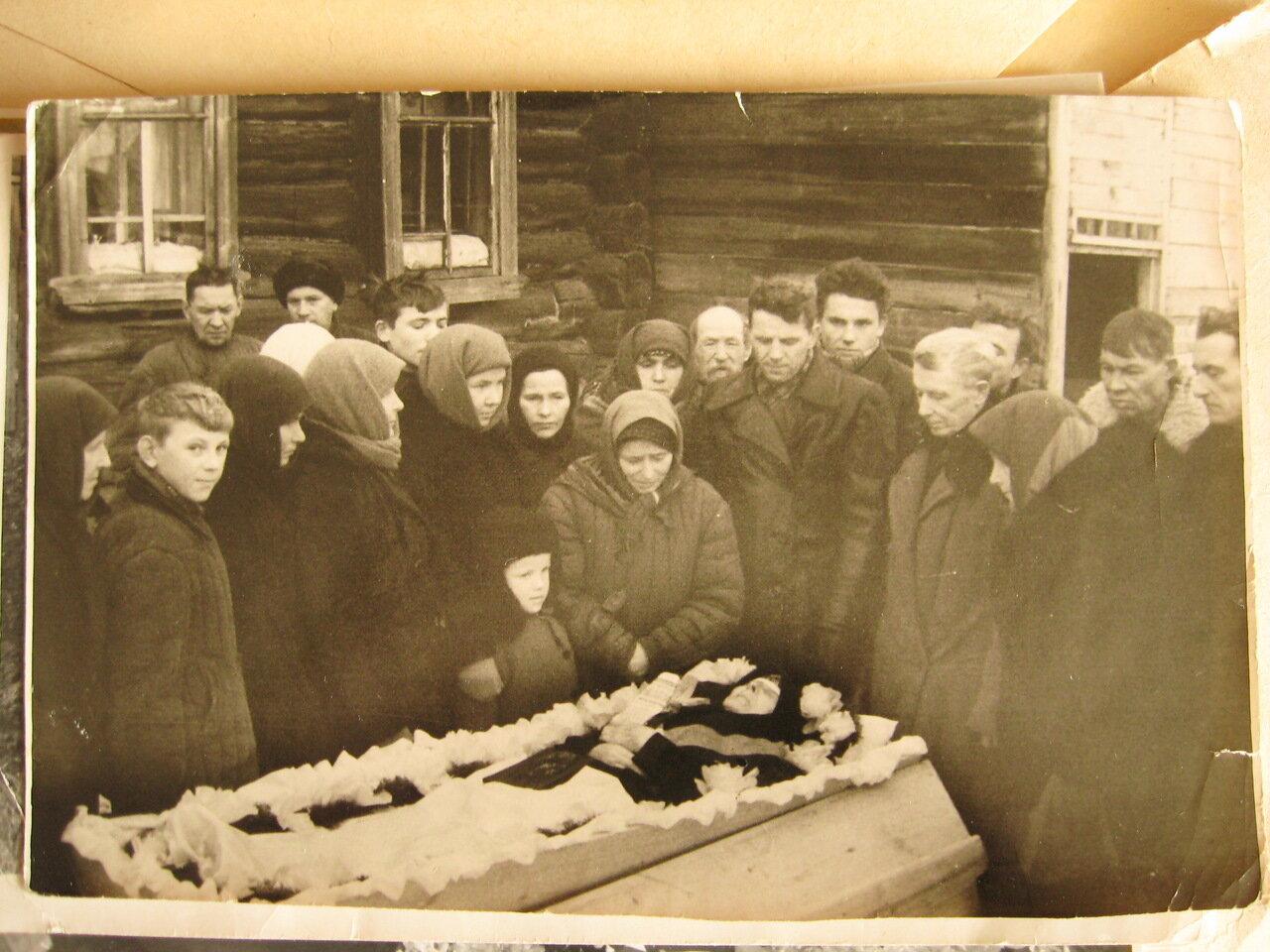 Похороны в деревне. Кировская область.