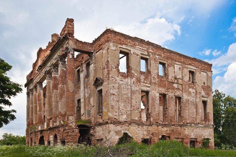 Дворец Вяземского на Наре