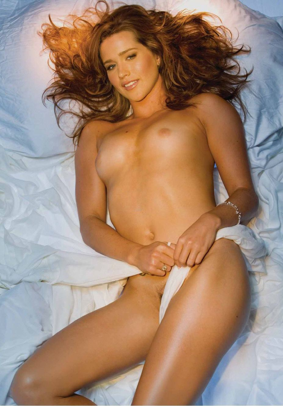 голая теннисистка Эшли Харклроуд / Ashley Harkleroad - Playboy USA august 2008