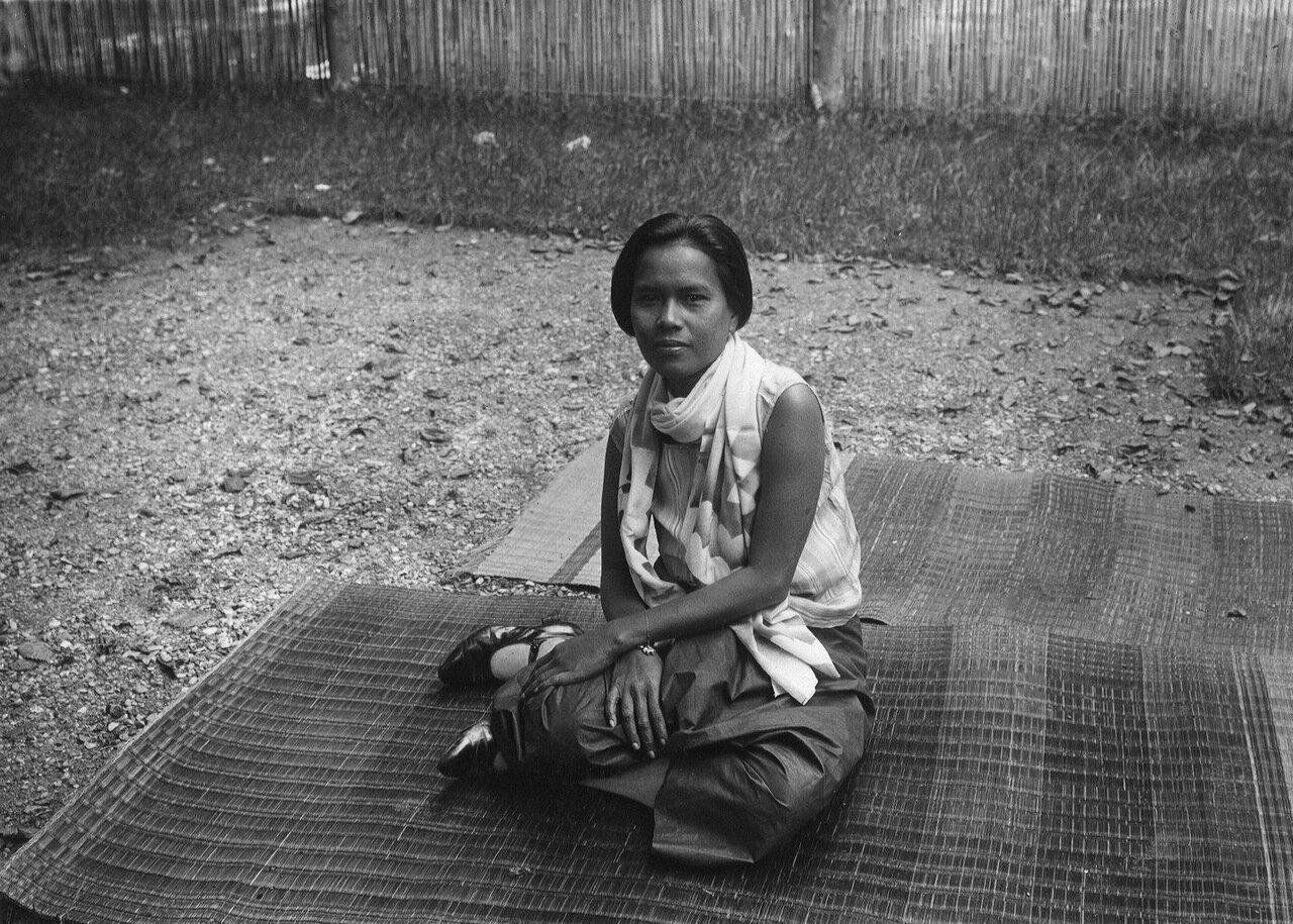 Камбоджа. Певица мадемуазель Нуйи