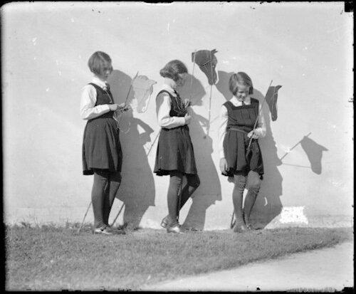 Tired Horses, Frensham School, 1934 (Harold Cazneaux)