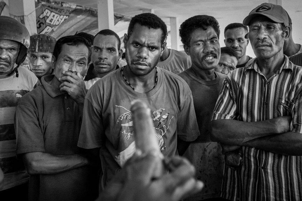 Andri Tambunan, Demonstration of condom usage at a public market in Jayapura, capital of Papua, 2009