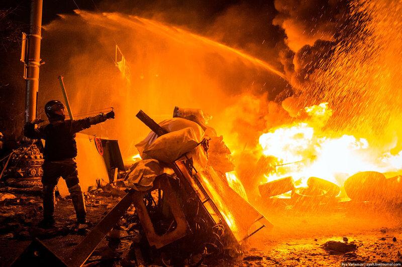 Уличные бои в Киеве (30 фото)