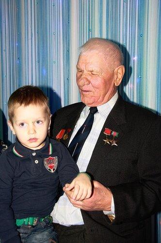 Первицкий с правнуком на 85-летие