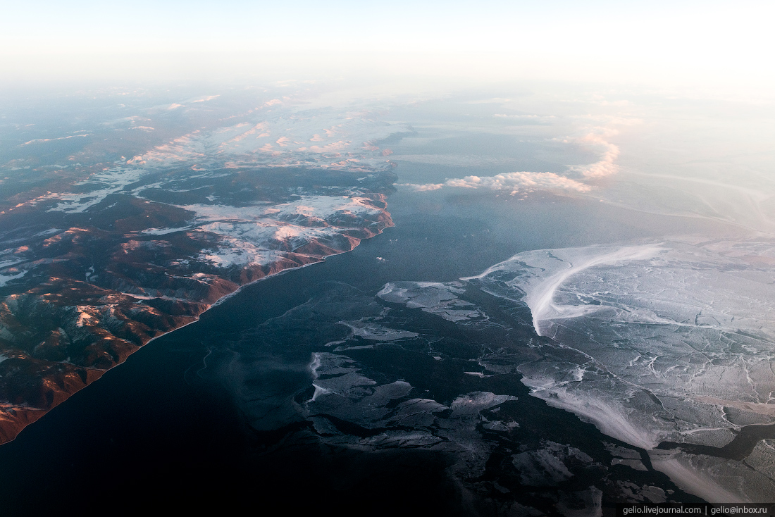 Озеро Байкал. Фотографии из окна самолета