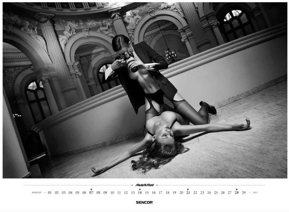 Эротический календарь сети магазинов Media Markt на 2013 год