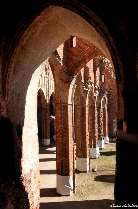 арки-колонны