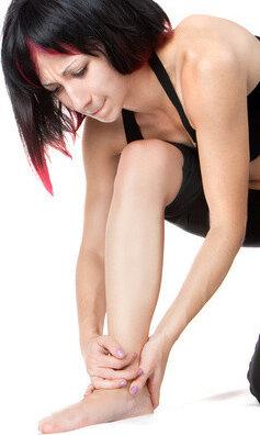 Почему болят колени, и как их лечить?