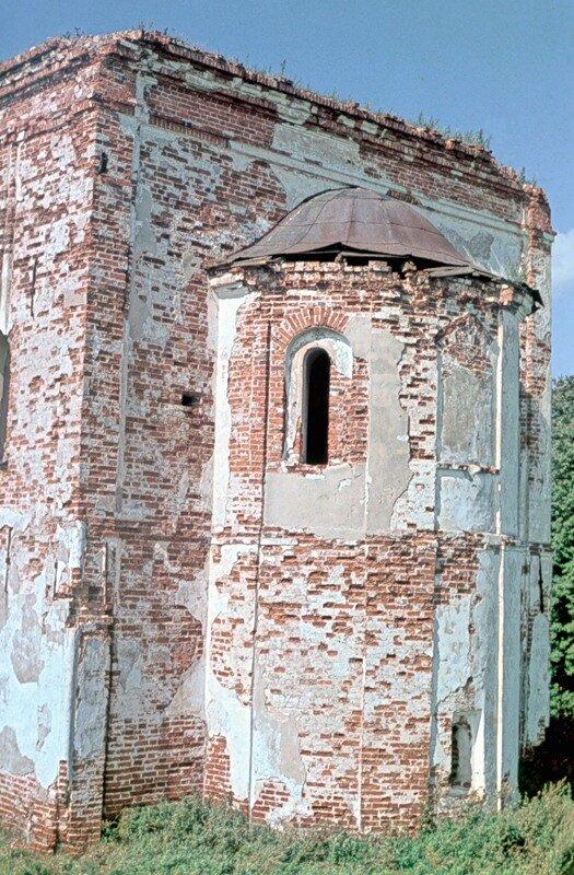 Трапезная церковь Хутынского монастыря под Новгородом, 16 в.