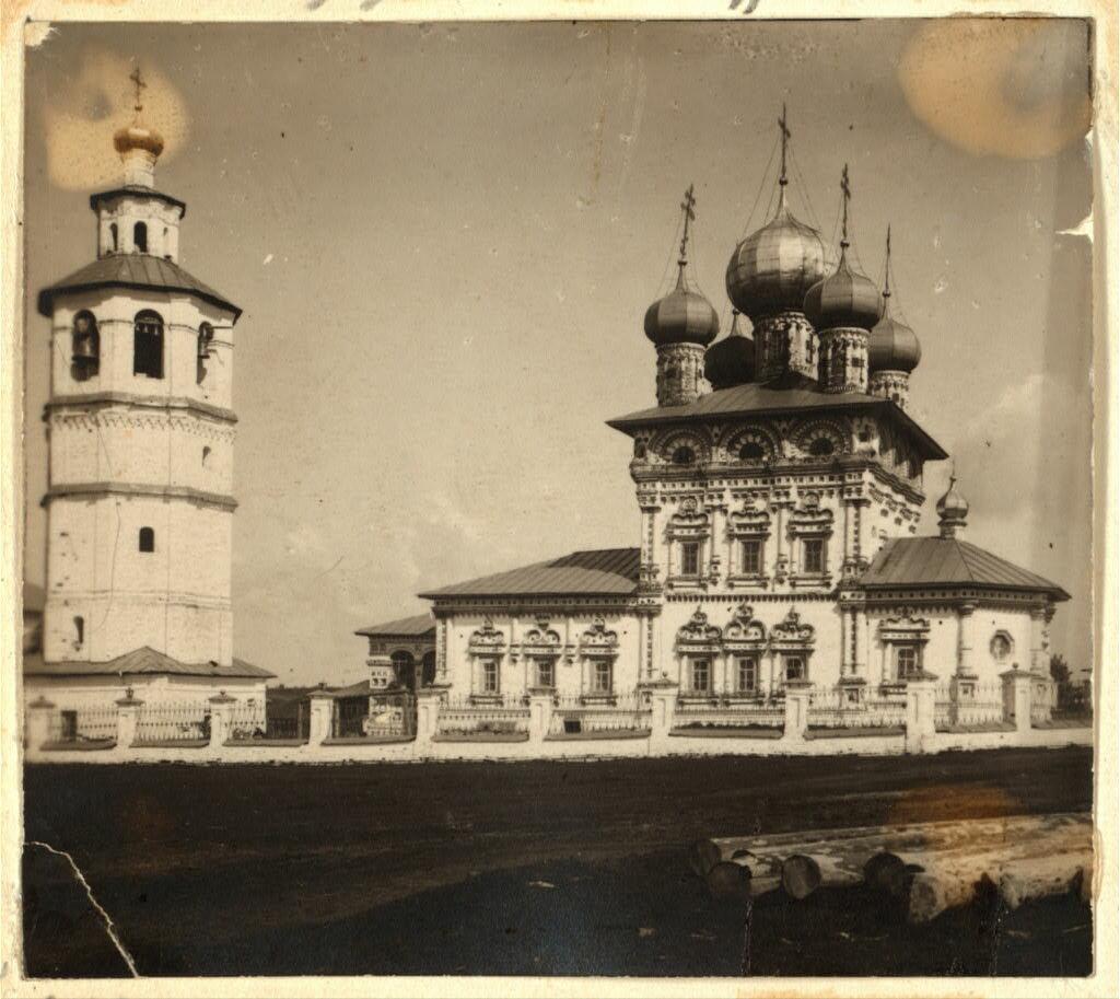 Храм Св. Николая Чудотворца с южной стороны. Не ранее 1912.