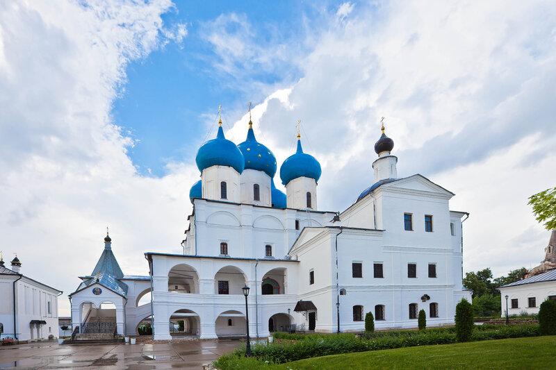 Собор Зачатия Пресвятой Богородицы и церковь преп. Сергия Радонежского
