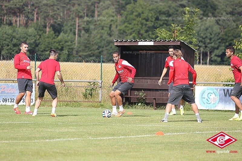 «Спартак» провел первую тренировку в Германии