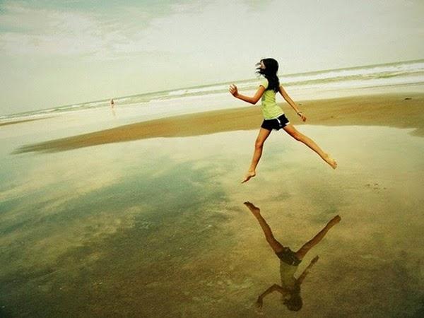 Радостные фотографии прыгающих людей и животных 0 130956 9bf2548c orig