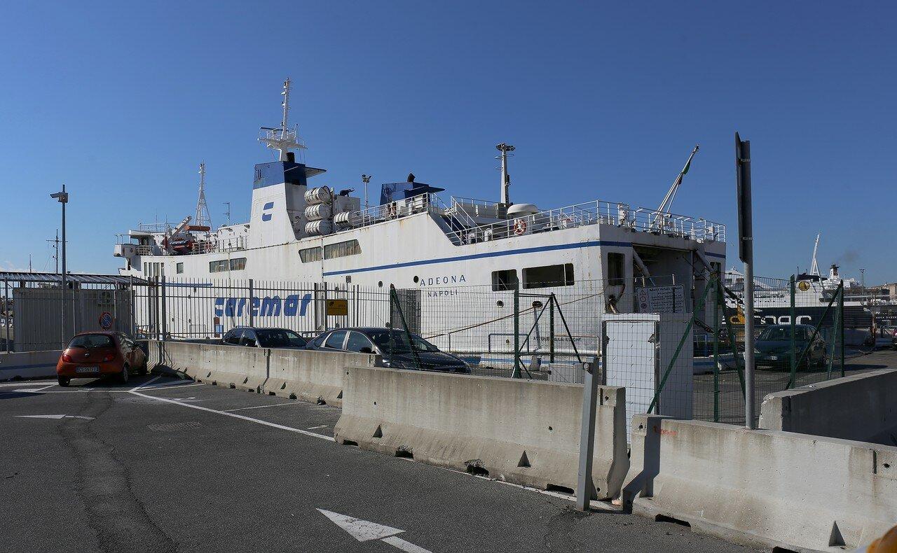 Неаполь. Порта ди Маса (Calata Porta di Massa), паромный порт
