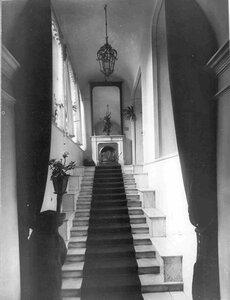 Вид лестницы на второй этаж в особняке И.Д.Бонштедта.
