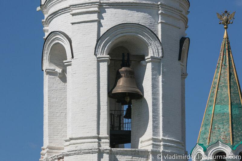 Коломенское. Колокольня церкви Св. Георгия Победоносца. Фокусное 136 мм.