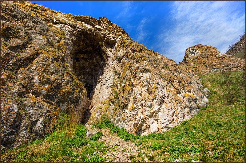 Таинственные пещеры