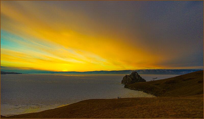 Закат над Бурханом