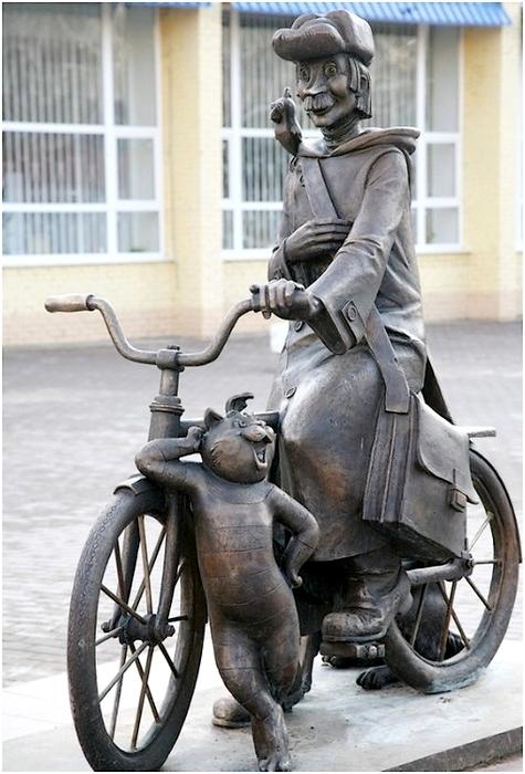 Памятник героям мультфильма  «Трое из Простоквашено» (2).jpg