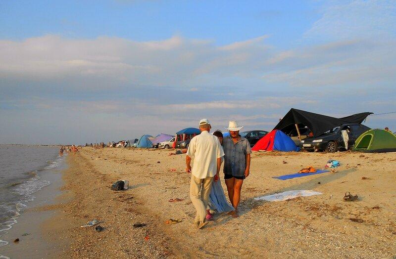 На берегу, у моря и палаток ... DSCN0056.JPG