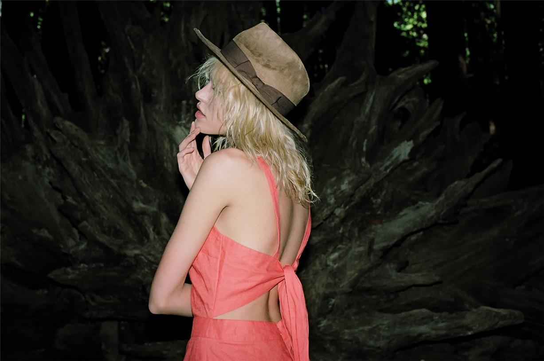 Cora Keegan / Кора Киган в одежде модного бренда Camp весна-лето 2014 / фотограф Jason Lee Parry