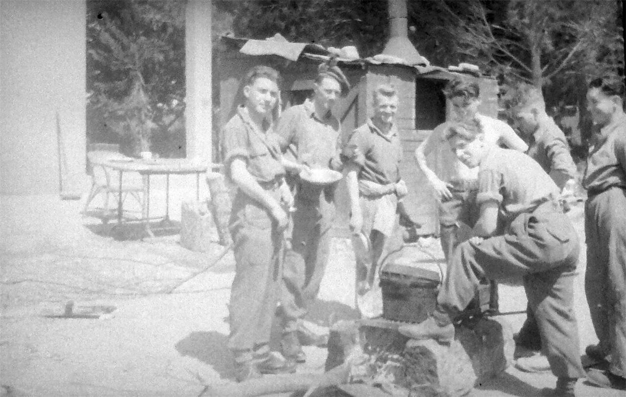 1948. В британском военном лагере Рош-ха-Аин