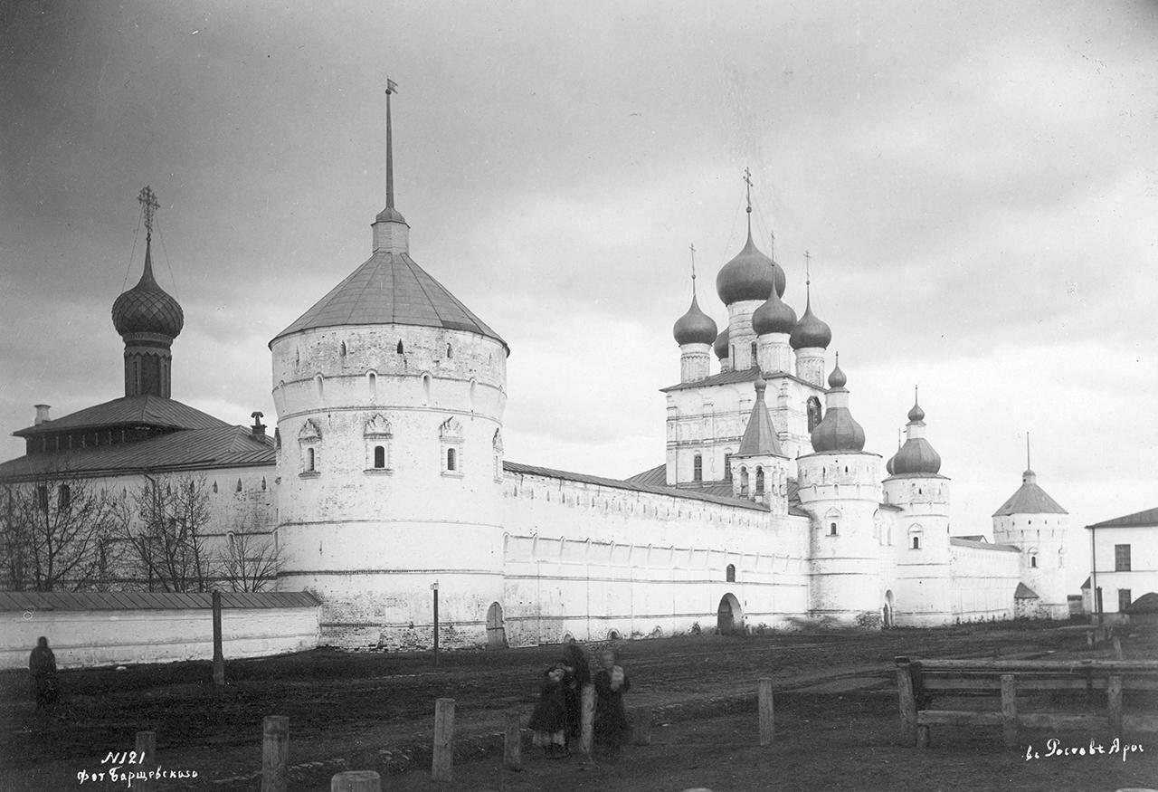 Вид кремлевской стены с западной стороны