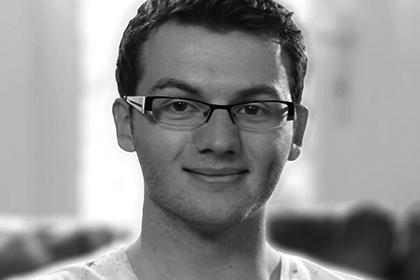 В Великобритании, в возрасте 19-и лет, скончался от рака автор написавший «Историю Стивена»