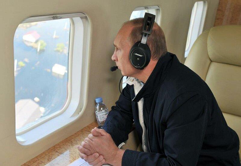 Путин над Амуром
