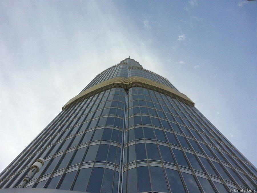 Вид со смотровой на шпиль башни Бурдж Халифа