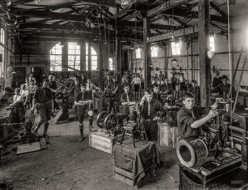 Sept. 26, 1916. Boys of Wanganui Technical College, New Zealand, during an engineering class