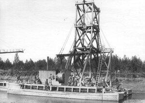 Работы по углублению Ладожского канала.