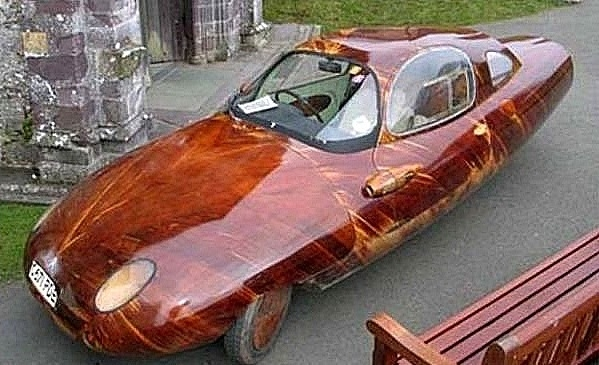 Деревянный автомобиль