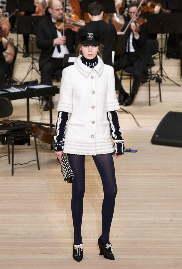 CHANEL Paris-Hamburg Metiers d'Art 2017.18 Collection