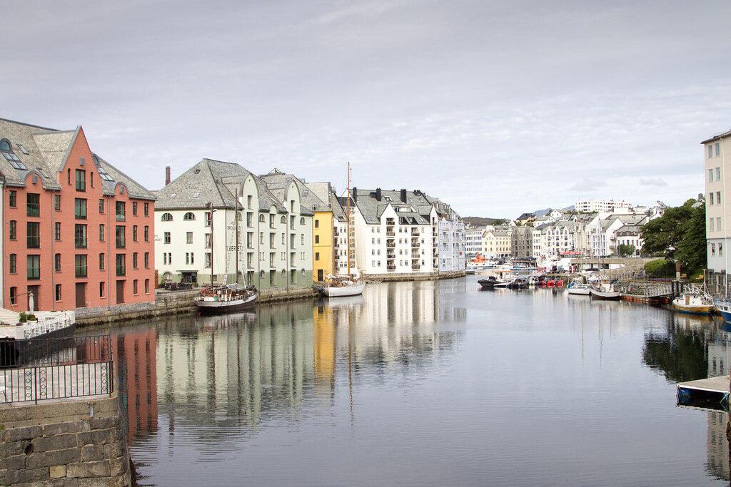 Олесун (Ålesund), Норвегия