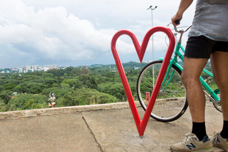 TNT presenteia Sao Paulo com arte urbana (4 pics)