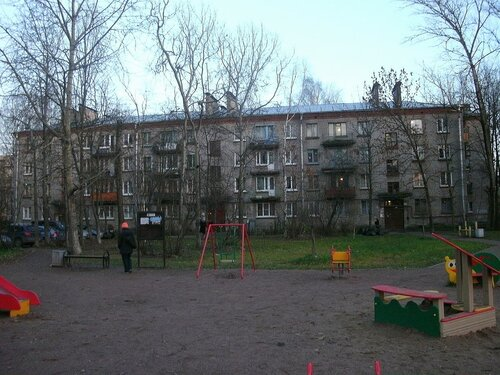 Караваевская ул. 33к1