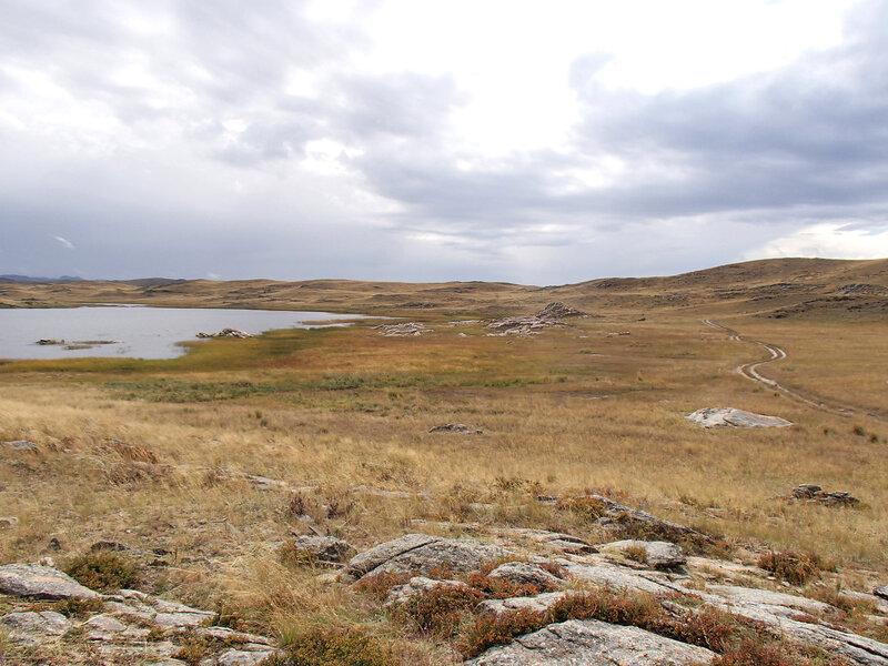 дорога вдоль озера Косколь