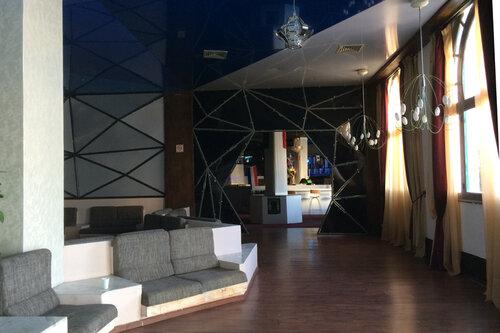 лобби отеля Chiraz