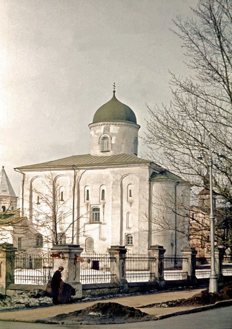 Никольский собор на Ярославовом.
