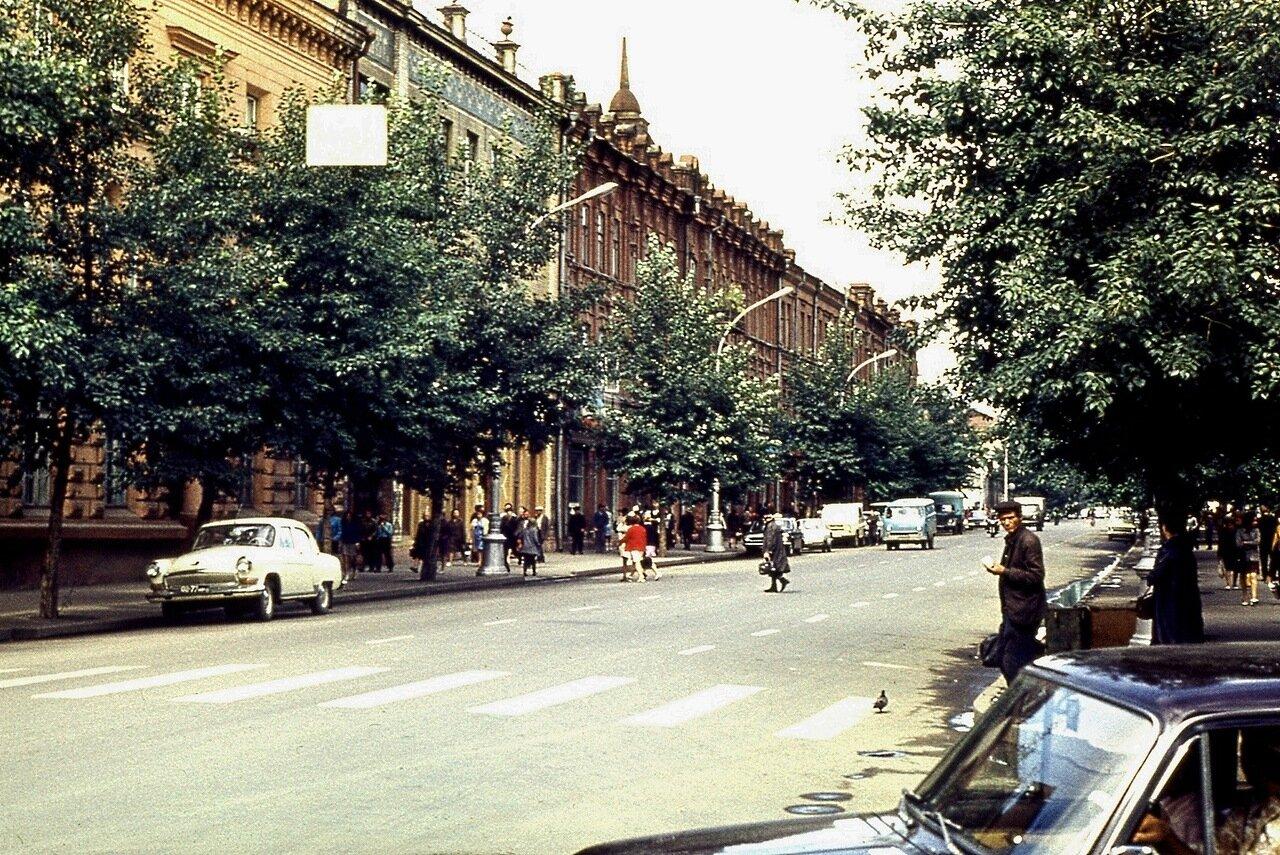 3.  Пересечение улиц Карла Маркса и Чехова