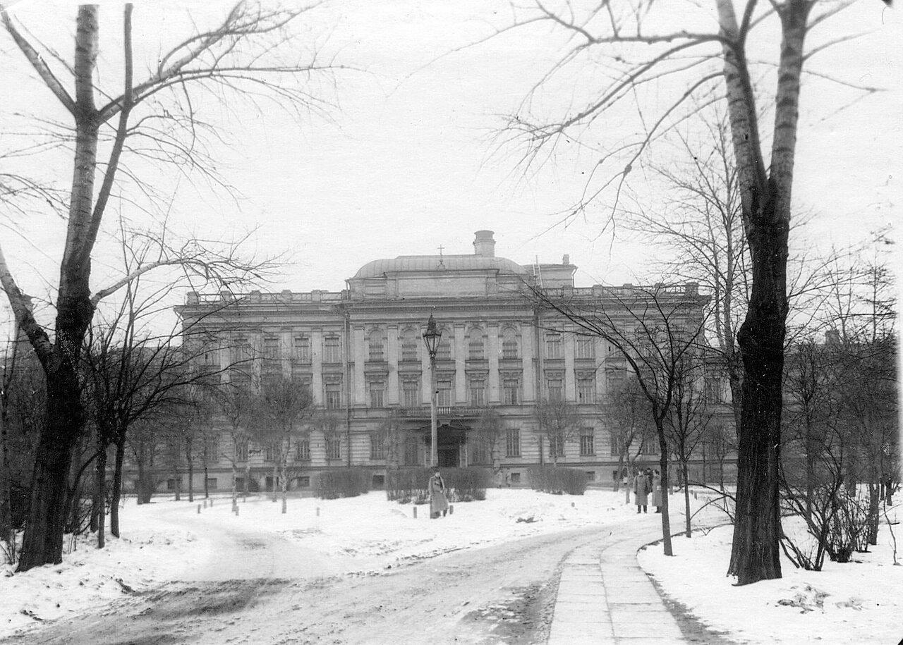 07. Вид здания клиники душевных болезней Императорской военно-медицинской академии